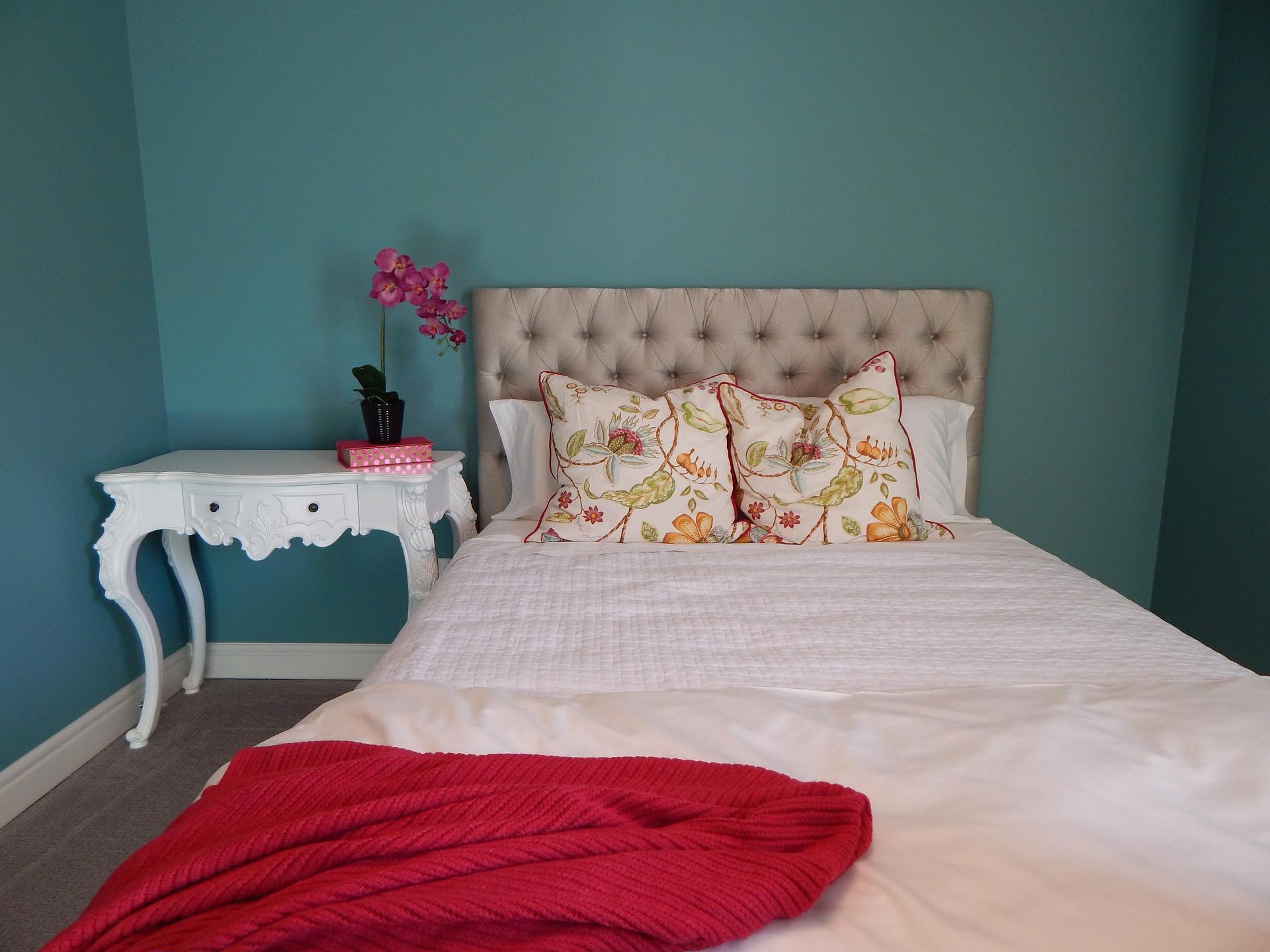 Mantas para decorar: protegen del frío y embellecen la habitación