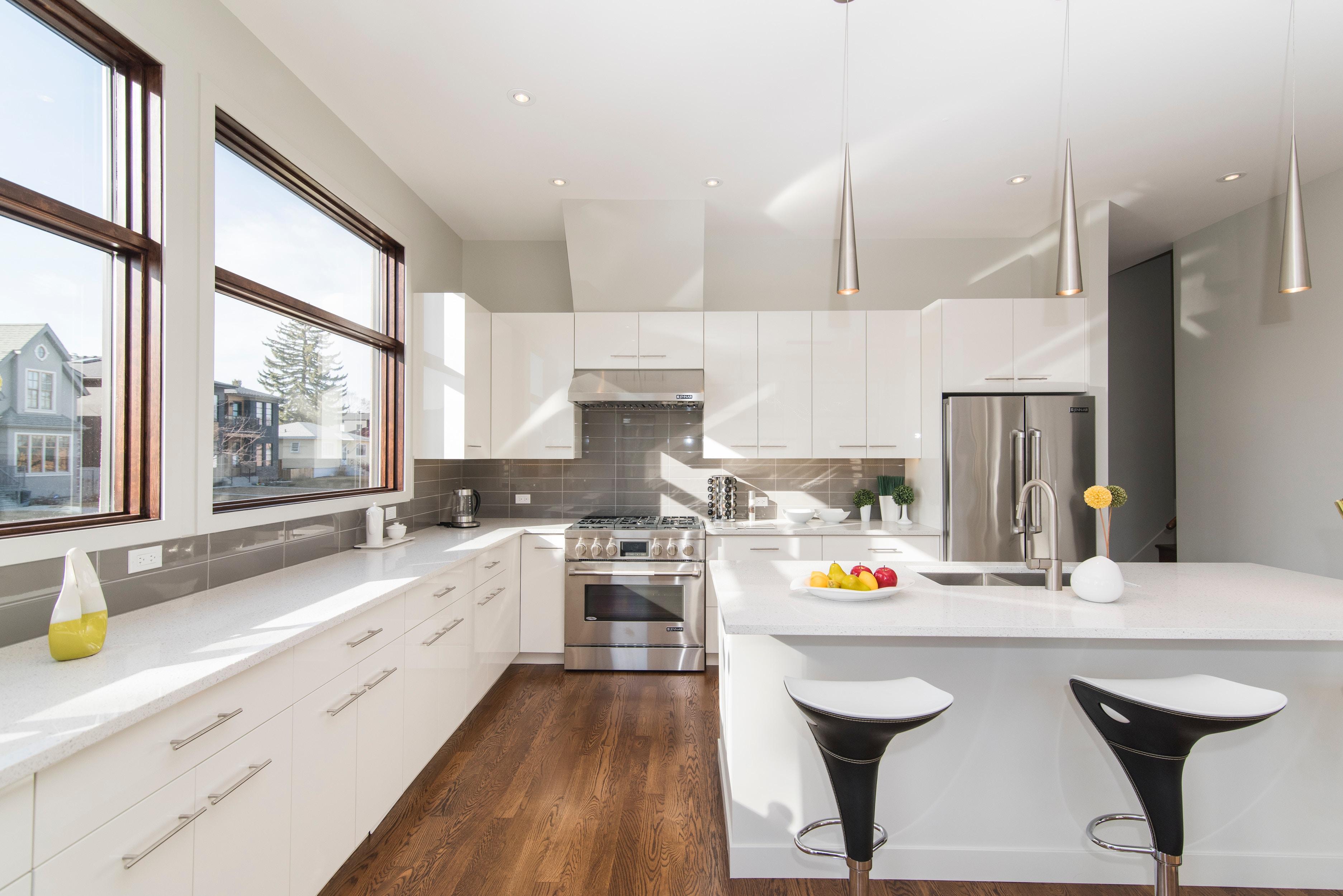 Mejorar la decoración de la cocina con estores enrollables