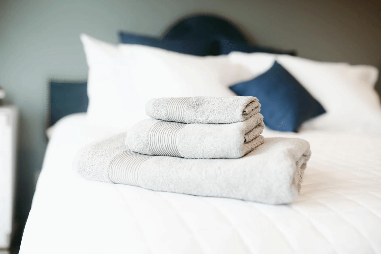 ▷ ¿Cómo elegir la mejor toalla de baño?